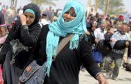 سكان الموصل بغالبيتهم يفرون إلى الكرد السوريين