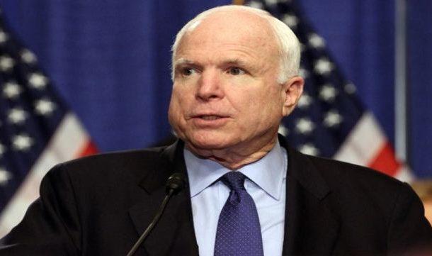 السيناتور جون مكين ينهي زيارة سرية إلى كوباني