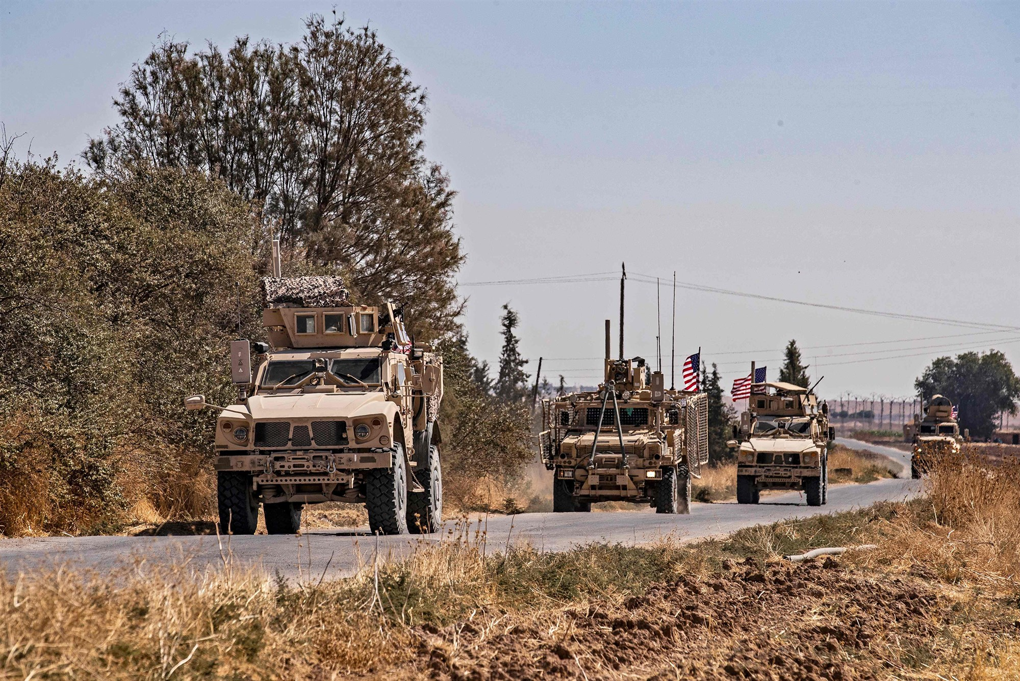 Photo of Report Urges Trump to Halt a Planned Troop Drawdown from Syria