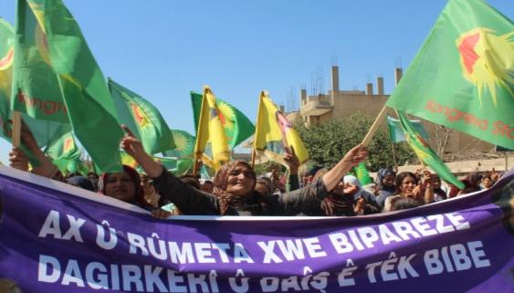 "Photo of Kobani's Women:""the Resistance of Women Defeated Erdogan's Fascism"""
