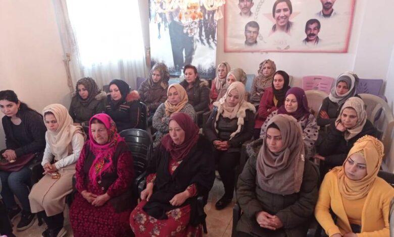 Photo of Lijneya rêxistinî ya PYD dewreyek perwerdeyê ji jinên partiyan li dar xist