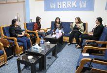Photo of Şandeyek ji Têkiliyên Jin a PYD serdana navenda Yekîtiya Rewşenbîrên Rojavayê Kurdistanê kir
