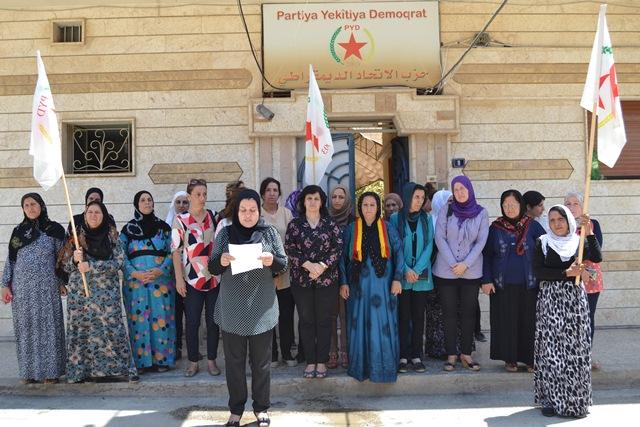تنظيم المرأة في PYD يعقد اجتماعا لنساء بمدينة قامشلو
