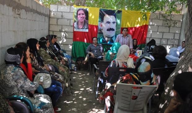 اتحاد ستار تنظم اجتماعاً لأمهات وزوجات المناضلين