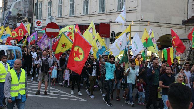 Photo of الـ PYD تتظاهر في النمسا