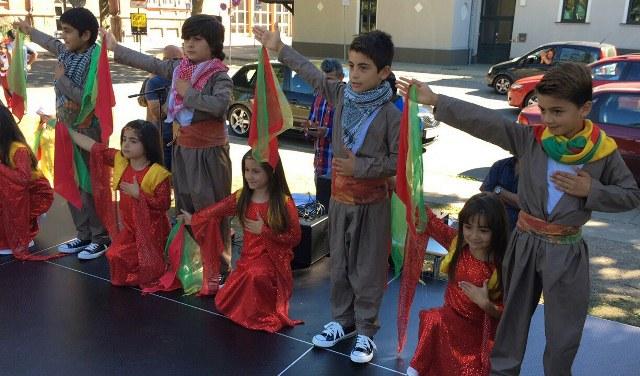 Photo of أطفال الجالية الكردية يشاركون في المهرجان الثقافي الدولي في سفينبورغ الدنماركية
