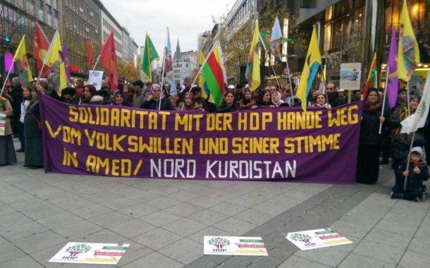 تظاهرة لحركة المجتمع المدني وحزب الإتحاد الديمقراطيفي مدينة هانوفر الالمانية