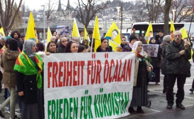 Photo of الكردستانيون يتظاهرون في أوروبا تنديداً للفتنة بين الكرد