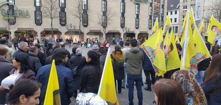 Photo of مئات الكُردستانيون يتظاهرون في المانيا احتجاجاً على تدخل بيشمركة روج في شؤون شنكال