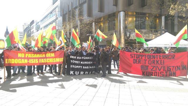 Photo of الجالية الكردية في هانوفر تتظاهر ضد القصف التركي