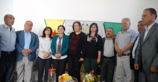 Photo of الـ PYD يزور حزب الوحدة الديمقراطي الكردي