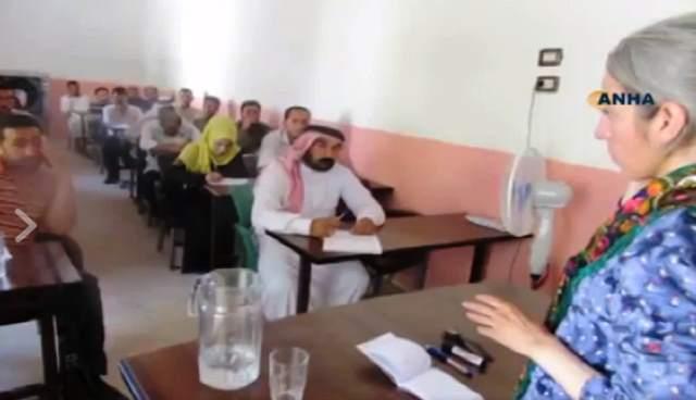Photo of أولُ دورةٍ تدريبيةٍ باسمِ الشهيدة هناء عبد الكريم الصقر لأبناءِ الرقةِ وديرِ الزور