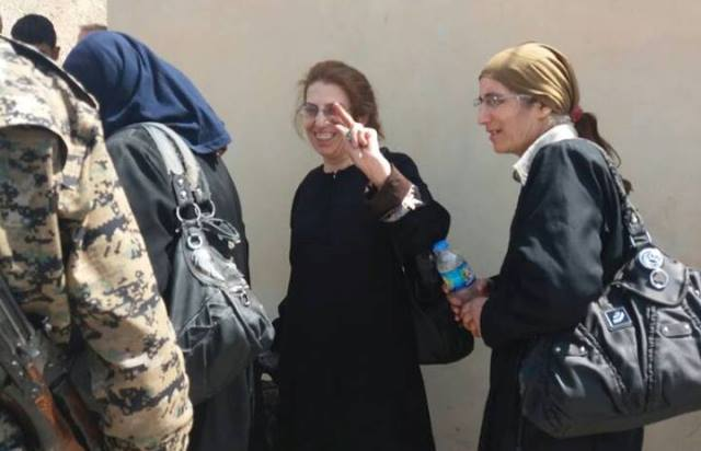Photo of عمليات إنقاذ المسيحين في الرقة  وشبان مسيحيون يوكدون أن الإرهابيين خطر على المسيحيين والعرب والكرد على حد سواء