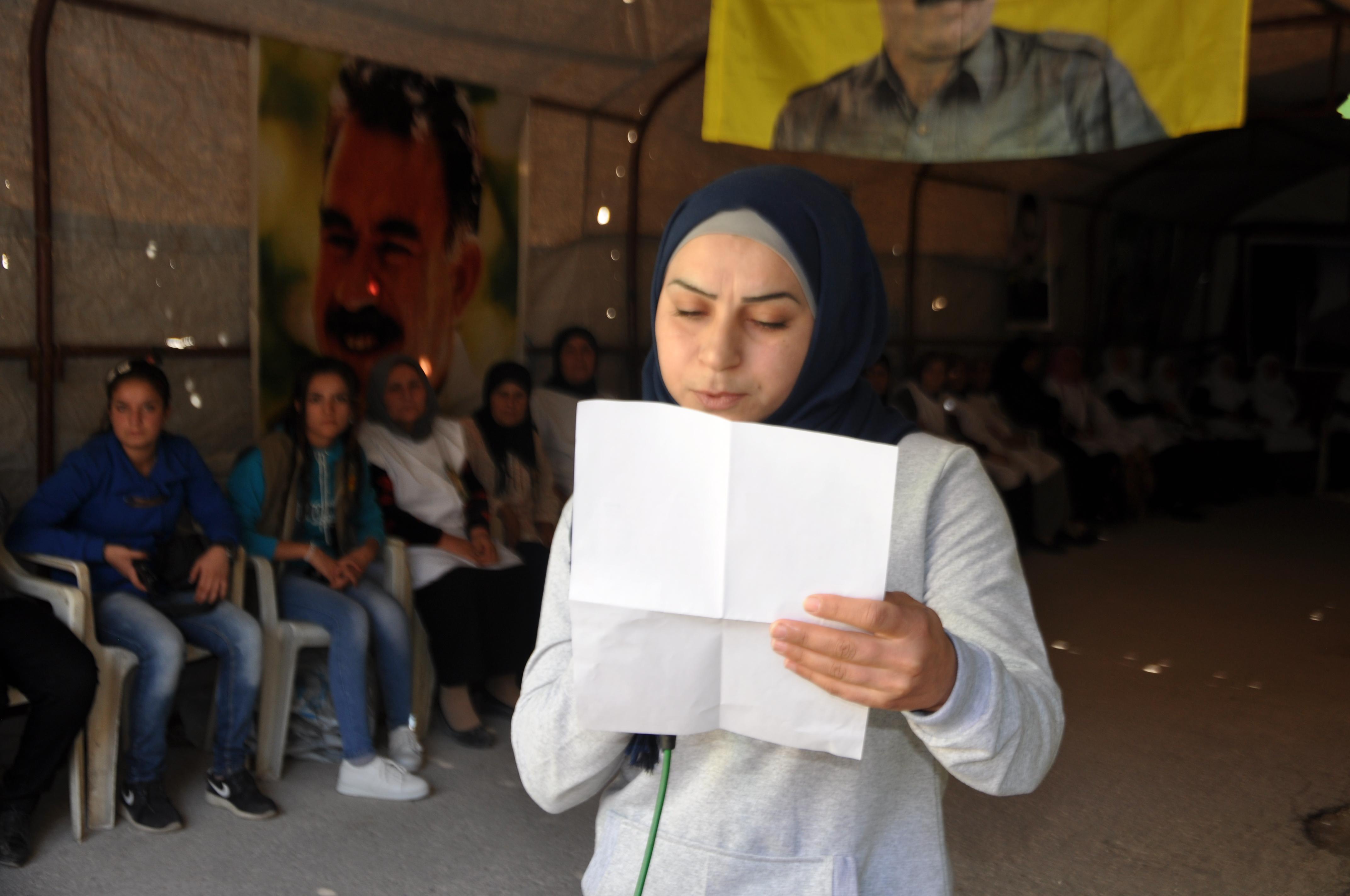 Photo of الـ PYD يزور خيمة الاعتصام من أجل القائد في حي المقاومة