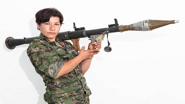 Photo of النساء المقاتلات … الألوهية والجمال