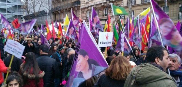 Photo of تظاهرة في باريس تطالب بمحاسبة قتلة  ساكينة جانسيز ورفيقاتها