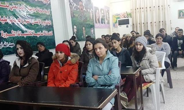 Photo of شبيبة الـ PYD ينظمون دورة تدريبيّة لعددٍ من أعضائها