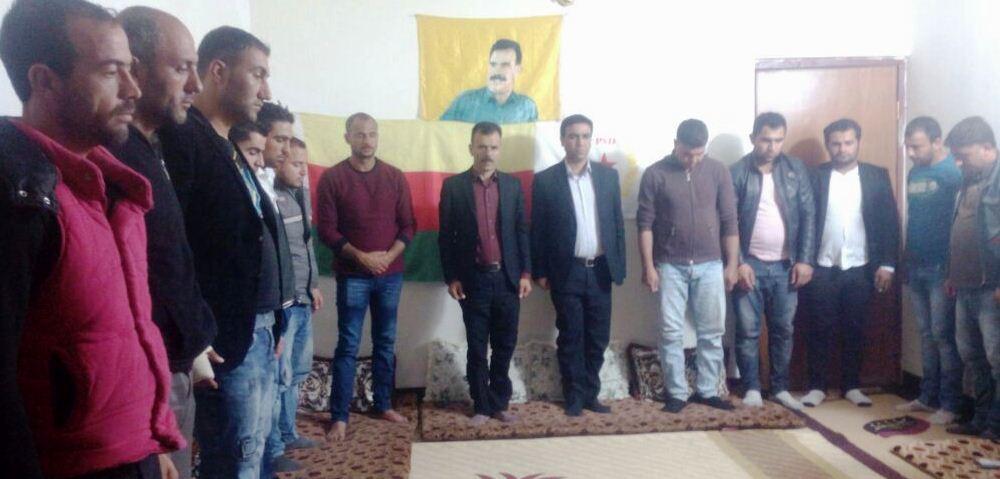 Photo of سليمان عرب يعقد اجتماعاً لـ لاجئين من روج آفا في تاسلوجة