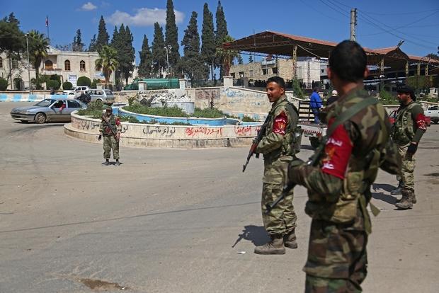 Photo of بأي قانون الكرد مبعدون عن موطنهم عفرين؟ بينما يأخذ لاجئو الغوطة موطنهم