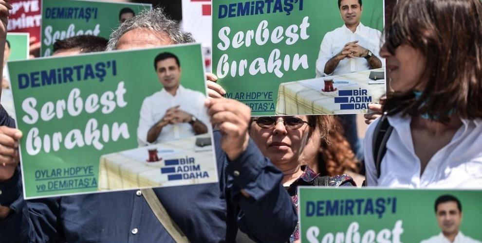 Photo of دميرتاش لصحيفة (The National): يجب حماية العملية الانتخابية من التزوير