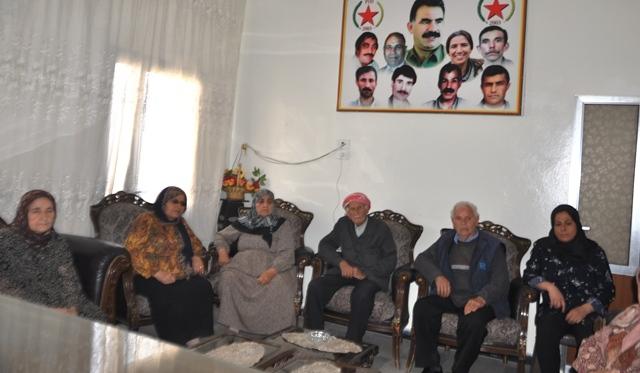 Photo of مجلس عوائل الشهداء في حلب يزور الـPYD بحلول عيد الشهداء