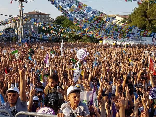 """Photo of الشباب التركي لاردوغان: """"لن تكون رئيساً لنا من جديد"""""""