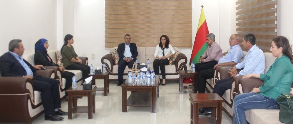 Photo of أحزاب سورية وكردية تجتمع لبحث تشكيل جبهة ديمقراطية