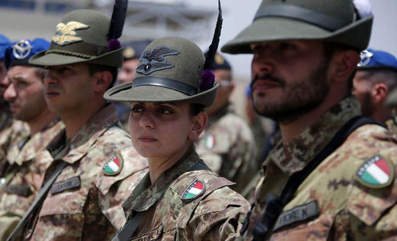 Photo of وصول جنود إيطالية لإسناد قوات سوريا ديمقراطية