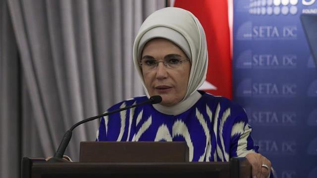 Photo of أمينة أردوغان وفقه رجب طيب في الضّحك على العقول