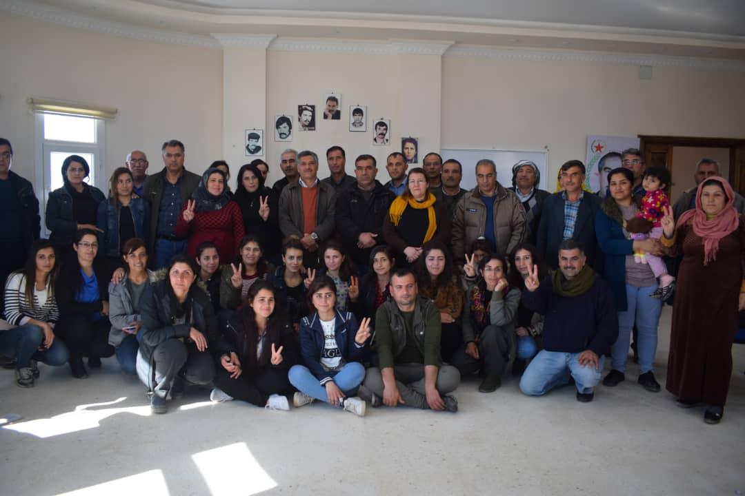Photo of أكاديمية المجتمع الديمقراطي في كوباني تختتم دورة الشهيد أوسمان دادلي