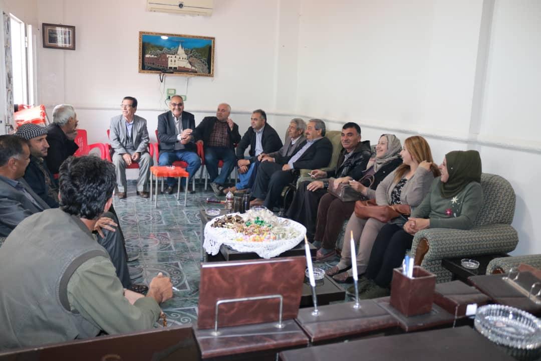 Photo of الاتحاد الديمقراطي في سري كانيه يزور البيت الإيزيدي ويهنأهم بالأربعاء الأحمر