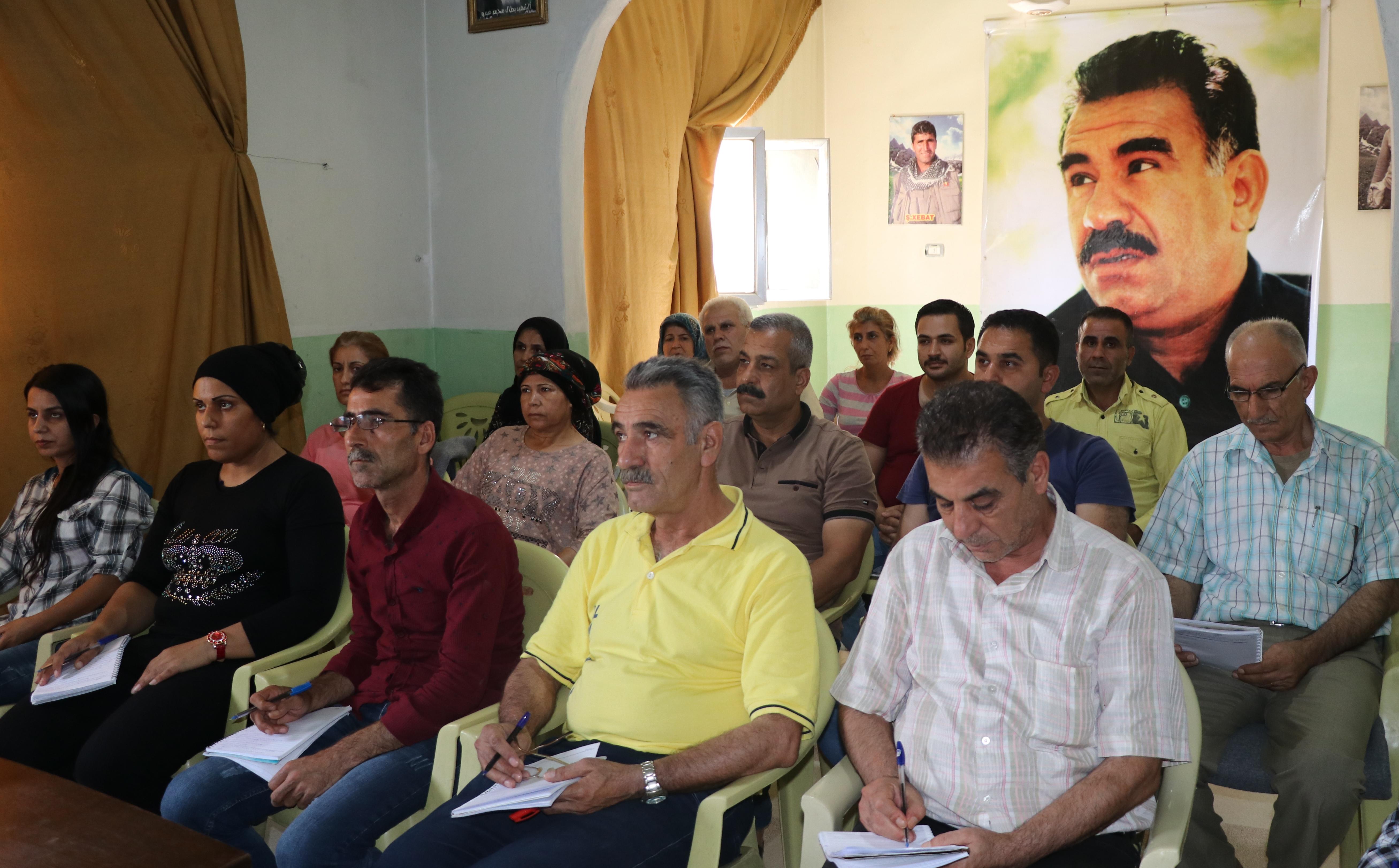 Photo of أكاديمية المجتمع الديمقراطي بحلب تستمر بفتح الدورات الفكرية