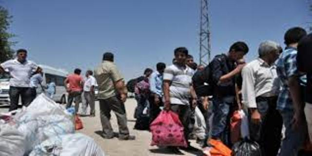 Photo of اردوغان ينقلب ويرّحل 7500 لاجئ سوري إلى إدلب