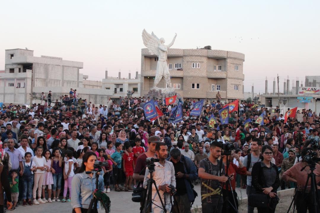 Photo of أهالي إقليم الفرات يحتفلون بذكرى ثورة روج آفا