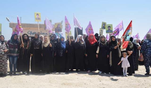 """Photo of من خيمة الاعتصام بـ """"كري سبي"""" .. الأهالي يؤكدون رفضهم للتهديدات التركية"""