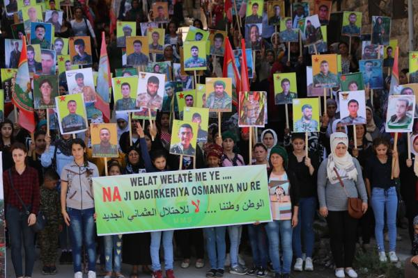 Photo of عوائل الشهداء: واجبنا إتمام مسيرة المقاومة حتى تحقيق حلم شهدائنا
