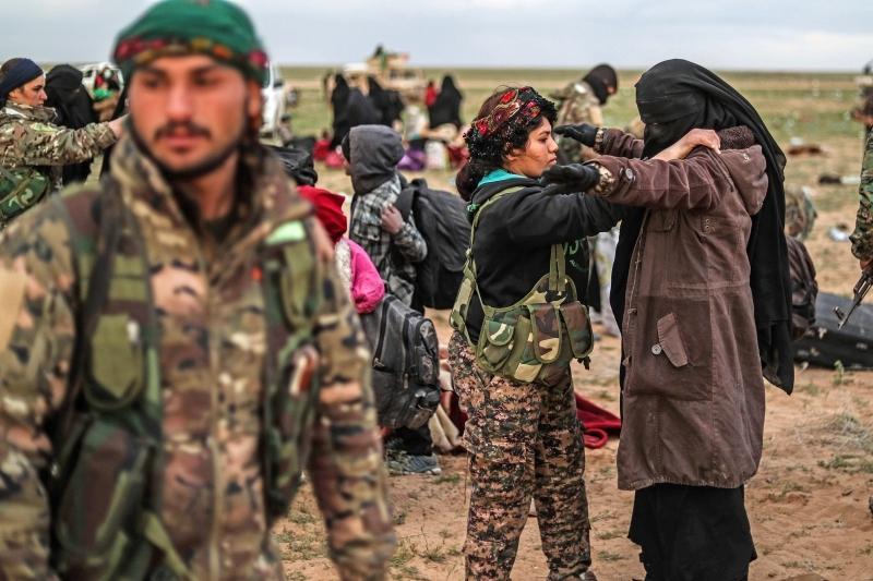 Photo of الغارديان تعليقاً على التهديدات التركية: شبح عودة داعش يلوح في الأفق