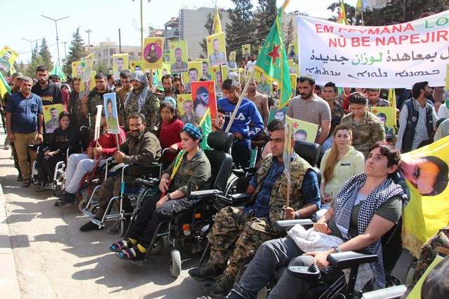 "Photo of جرحى الحرب ضد ""داعش"" يسلمون رسالة لمقر الأمم المتحدة وينددون بالتهديدات التركية"
