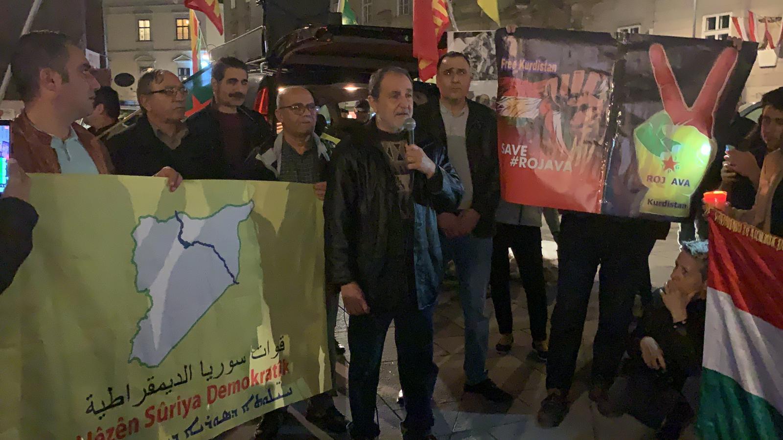 Photo of استمرار الاعتصامات والمظاهرات في فينا النمساوية تنديداً بالغزو التركي