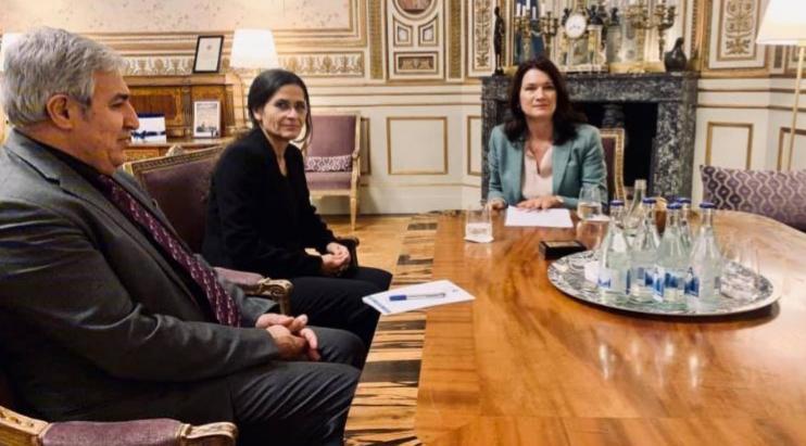 Photo of لقاء الهام أحمد مع الخارجية السويدية: الادارة الذاتية يجب أن تكون ممثلة في اللحنة الدستورية