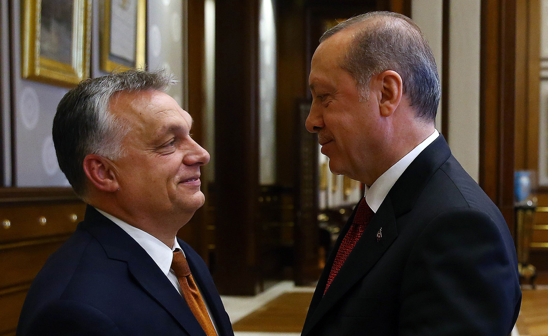 Photo of شبيغل : رئيس وزراء هنغاريا يستقبل زعيم دولة استبدادية ،وعلاقات مشبوهة