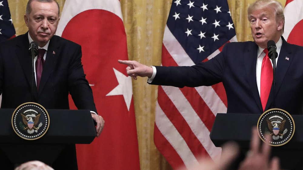 Photo of آراب ويكلي : هل يمكن للولايات المتحدة فرض تغيير للنظام في تركيا؟