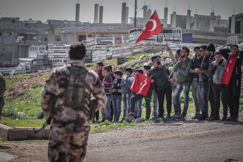 Photo of المرصد السوري: الاحتلال التركي بدأ بالتغيير الديمغرافي في الشمال السوري