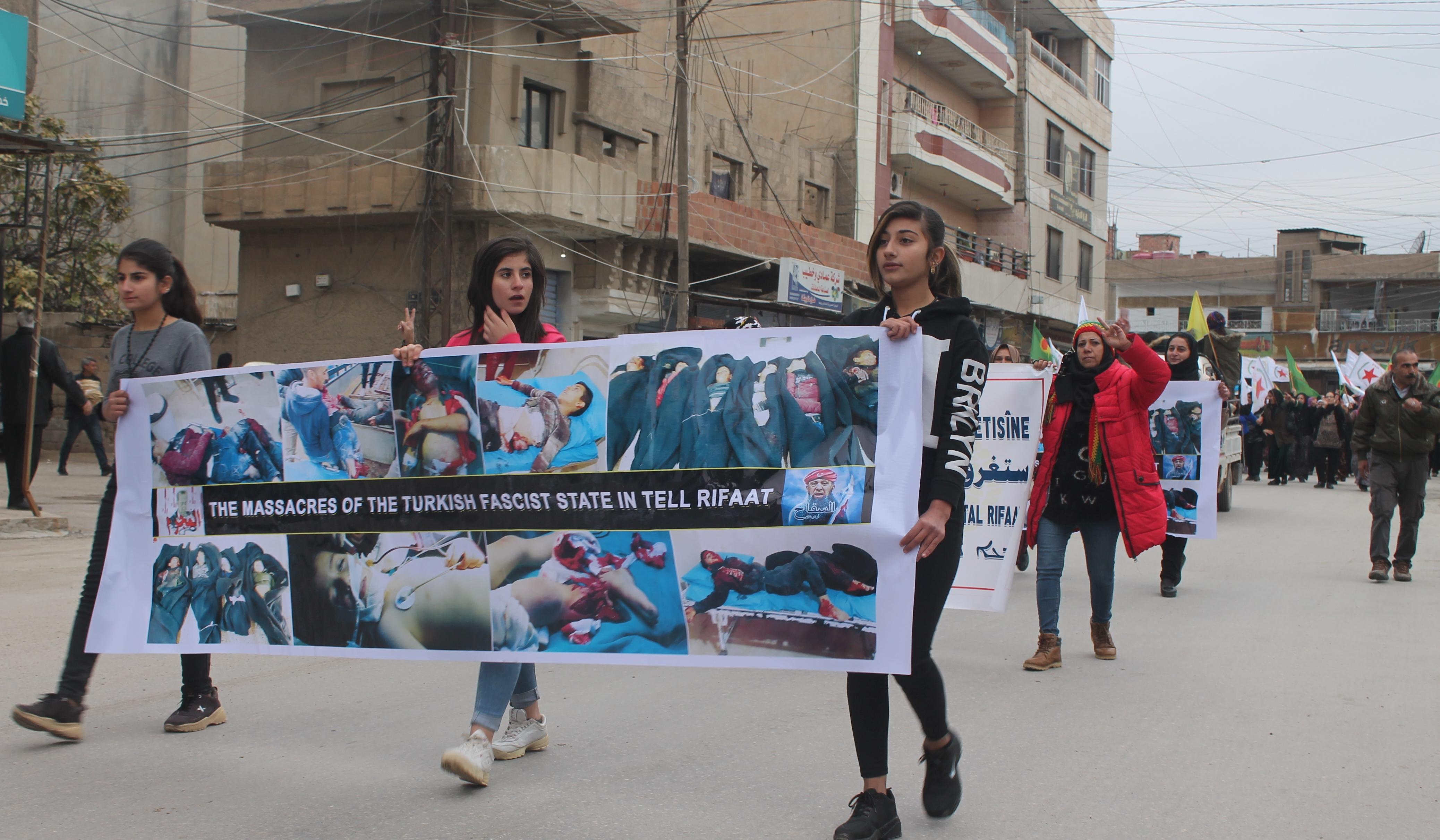 Photo of تنديداً باستهداف الأطفال في تل رفعت، أهالي قامشلو ينتفضون