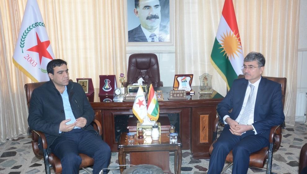 Photo of الاتحاد الديمقراطي والكادحين يؤكدان على ضرورة توحيد الصف الكردي