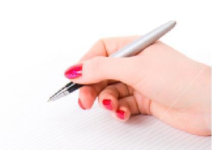 يد تمسك قلما