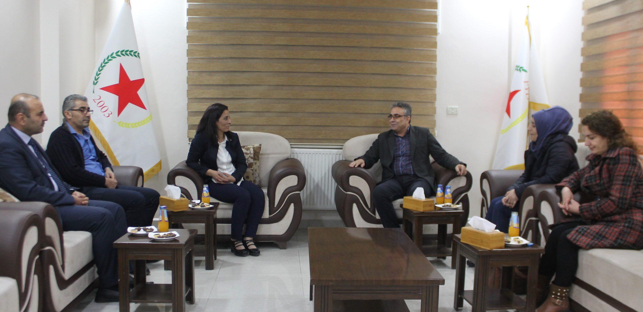 Photo of الخضر الكردستاني يهنئ الرئاسة المشتركة لحزبنا على انتخابهما في المؤتمر الثامن
