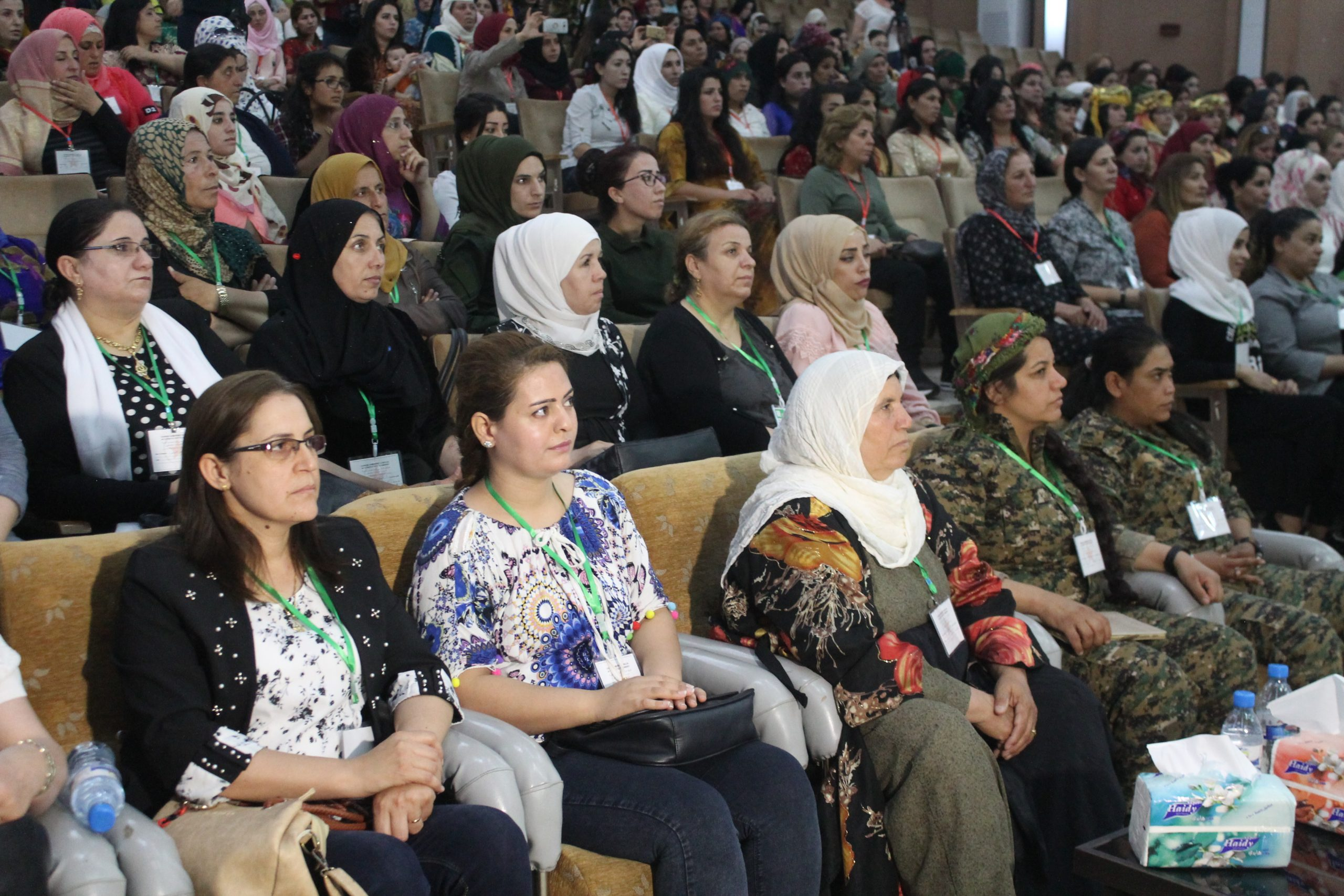 Photo of لجنة التحقيق الدولية بشأن سوريا: الإدارة الذاتية عززت حقوق المرأة