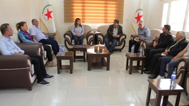 """Photo of حزبنا يستقبل """"المبادرة الجماهيرية لوحدة الصف الكردي"""" ويؤكد استعداده للوحدة"""