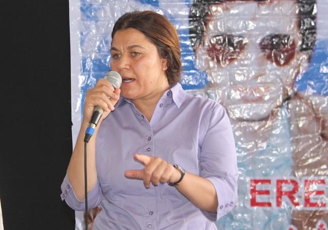 Photo of فوزة يوسف: الإدارة الذاتية تسعى جاهدة لتخفيف أعباء الأزمة الاقتصادية على شعبنا
